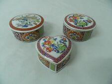 Trittico di scatole in pura porcellana giapponese Decorate a mano OMA19