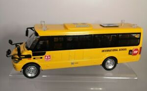 Die Cast Pull Back American Yellow Bus - Dream Becomes True - Lights & Sounds