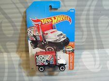 2017 Hot Wheels ''Hw Hot Trucks'' #270 = Baja Hauler = White & Red , int