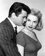 TONY CURTIS AND JANET LEIGH - 8X10 PUBLICITY PHOTO (ZY-976)
