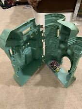 (SOLD AS IS) Vintage 1981 MOTU Castle Grayskull He-Man Gray Skull (hinge broken)