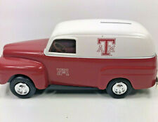 ERTL1950 Die-Cast Metal Ford Panel Truck Bank 1/25 Scale 1995 Texas A&M Aggies