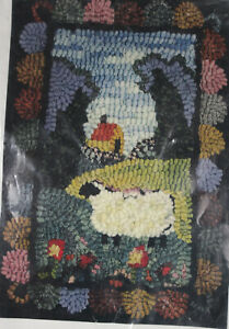 """Sheep's In The Meadow Mini Rug Kit Tish Murphy Wool Strips Instructions 6"""" x 9"""""""