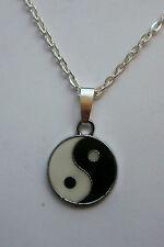 Yin Yang Blanco Y Negro Esmaltado Colgante Collar