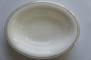 """Wedgwood Martha Stewart Collection Oval Vegetable Bowl 9.75"""" French Knot Silver"""