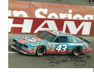 Autographed Richard Petty NASCAR Auto Racing Photograph