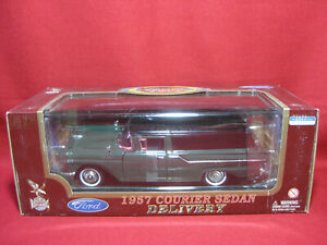 1:18 Ford 1957 Courier Sedan Delivery Wagon Road Legends Diecast Model Car
