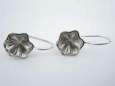 1 paio monachelle per orecchini fiore concavo in argento 925 rodiato