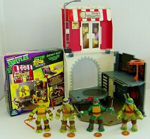TMNT Pizza Box Pop-Up Playset With 4 Figures