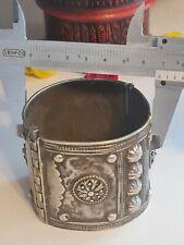 sehr hübsche alte silber armreife mit gute filigran und 111 gramm