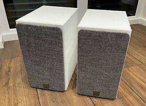 DALI Oberon 3 - Regallautsprecher, weiß, Paar (optional mit Ständer)