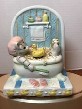 VTG KITTY CUCUMBER ROTATING DUCKY IN BATH TUB Music Box TINY BUBBLES 1985 SCHMID