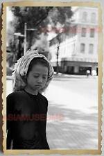 50s Vietnam SAIGON YOUNG GIRL PORTRAIT  STREET SCENE B&W WAR Vintage Photo 1044