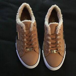 GUESS Women's Bossa Fashion Sneakers Size 8 M