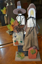 Tall wood Fall/Thanksgiving Pilgrim couple - Fb3.