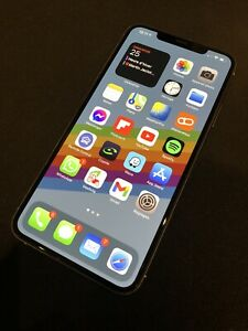 Apple iPhone 11 Pro Max - 256Go - Argent (Désimlocké) A2218 (CDMA + GSM)