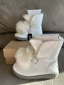 UGG Isley White Patent Leather Shearling Pom Pom Waterproof Boots 1100056 Size 8