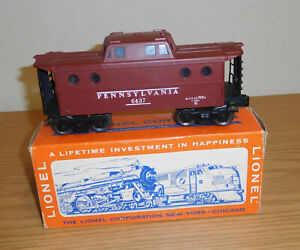LIONEL ORIGINAL POSTWAR #6437 PENNSYLVANIA N5C PORTHOLE LIGHTED CABOOSE BOXED