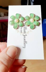 FUNKY GREEN VINTAGE FLOWER EARRINGS VINTAGE