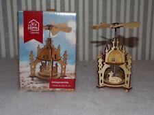 Kleine Weihnachtspyramide aus Holz - Schneemann Engel Reh Tier - Deko Winter