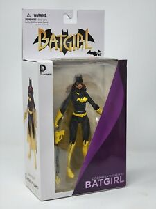 DC Collectibles DC Comics The New 52: Batgirl Action Figure