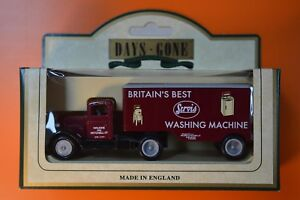 Lledo No 67010 - Diecast Model Of A 1953 Ford 3 Ton Articulated Truck - SERVIS