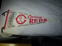 SCARCE CINCINNATI REDS Pennant-1961 WORLD SERIES-UNUSUAL VG
