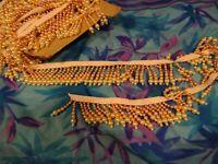 loisirs créatifs ,couture,galon à perles ,couleurs pastels  encolures ,sacs etc.