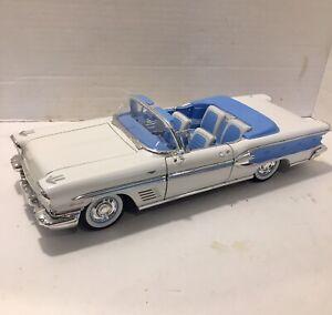 Yatming , Road Signature - 1958 Pontiac Bonneville - 1:18 Diecast Car - White