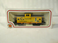 BACHMANN Chessie System B&O CABOOSE HO scale yellow RAILROAD VILLAGE TRAIN CAR