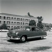 Kaiser Traveler 1951 model OLD CAR ROAD TEST PHOTO 18