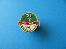 """Moorehouse/'s Brewery /"""" Black Cat /"""" Beer Pin Badge Unused. VGC"""