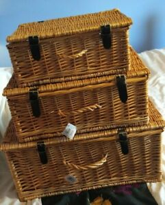 Set of 3 Gadsby Wicker Hampers With Lid