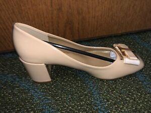 Salvatore Ferragamo Women's 1.5 Inch heel, tan shoes Size 5