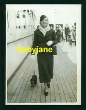 MARION DAVIES VINTAGE 6x8 PHOTO 1934 CANDID ABOARD THE LINER BREMEN SHIP W/ DOG