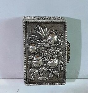 Vintage Peruzzi Silver Italian Pill or Snuff Box