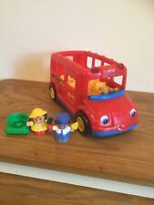 FISHER PRICE LITTLE PEOPLE RED SCHOOL BUS 2 FIGURES - SOUNDS MUSIC - WHEELCHAIR