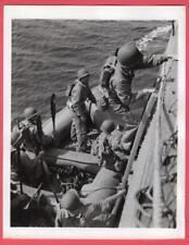 1942 USMC Marines Board Rubber Rafts From Fast Transport Original News Photo