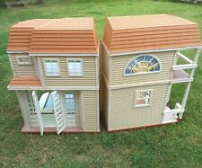 Barbie/Disney vintage folding house  **Collect only**