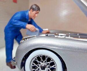 G LGB 1:24 Scale Mechanic Filling Oil Radiator Up Figure Garage Workshop Diorama
