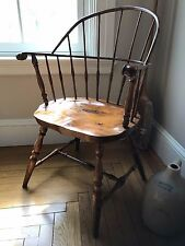 18th C. American Antique Sack Back Windsor Chair with Knuckle Carved Arms