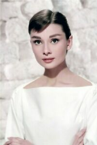 PHOTO AUDREY HEPBURN  format 10 X 15 ( 6x4 )