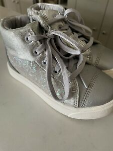 Clarks Girls Silver Glitter Zip Ankle Boots Size 8.5G - VGC!