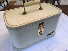 Vintage Starfrost White Travel Makeup Case Luggage With Key - 1950's