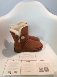 UGG Bailey Button II Chestnut Boot Women's US sizes 5-11/NEW!!!