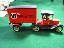 ERTL DIE-CAST METAL  1918 FORD CAB & TRAILER. IMPERIAL PALACE.NEW WITH BOX  1;25