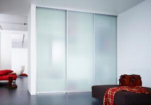 Schiebetüranlage auf Maß | Glasfüllung | Umlaufender Aluminium Rahmen
