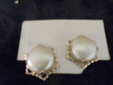 Vintage Costume Jewlery Earrings (Clip Ons ) Cream Color with Gold Trim