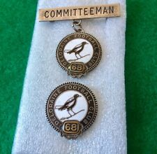 RARE Vintage 1968 Committee DELORAINE Football MAGPIES BADGE Member / Pin Club +
