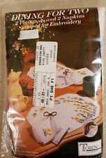 Tobin Dining for Two 4 Piece Stamped Embroidery Wind Swept Daisy No Iron NOS